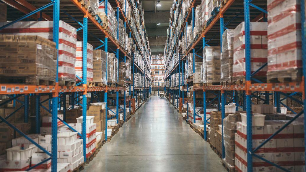 货架的抗震能力会受到哪些因素的影响