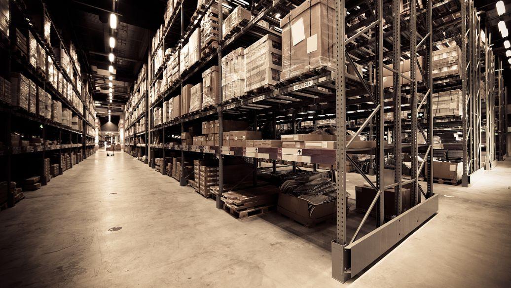 仓储货架哪几个部位受力比较大