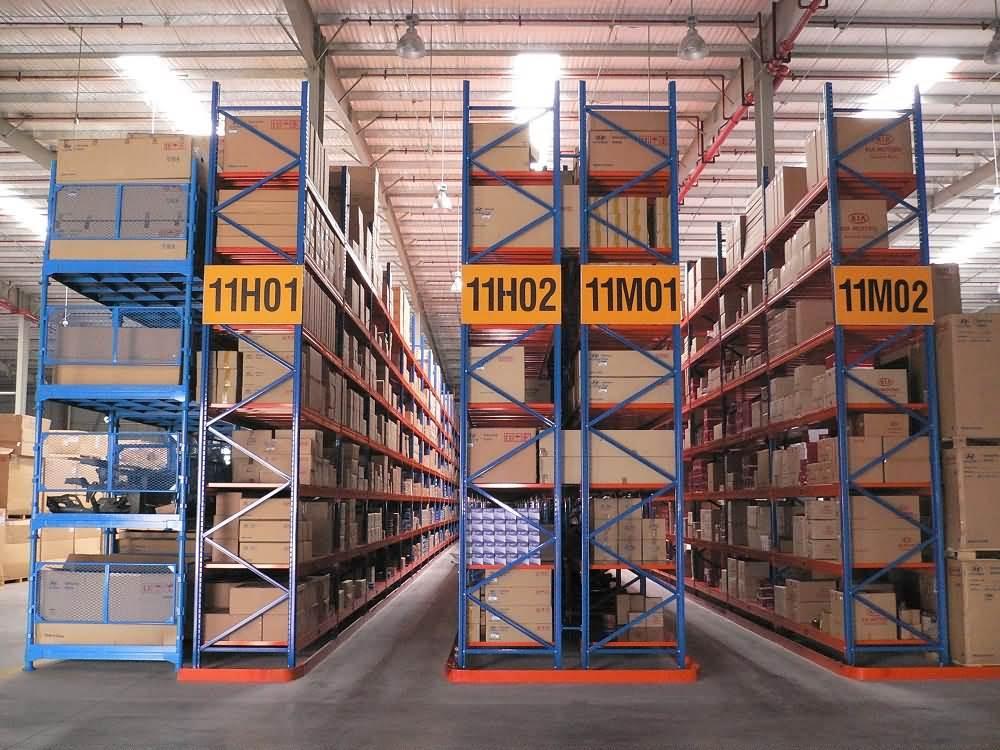 窄巷道货架如何保证货物高密度储存