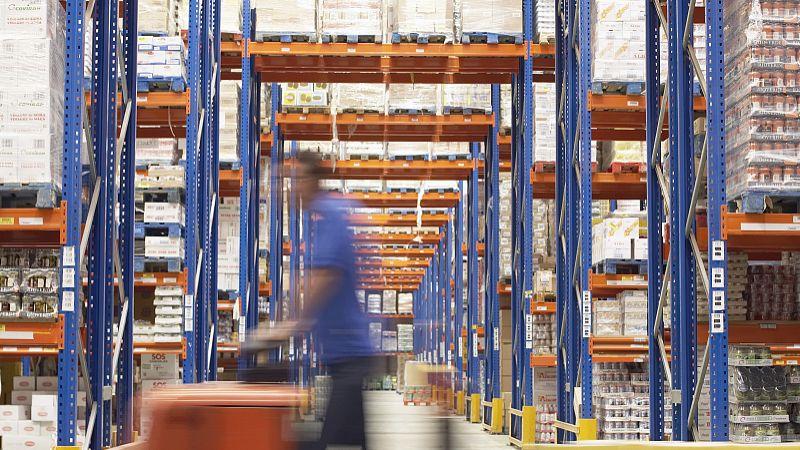 仓储货架出现变形位移的原因有哪些