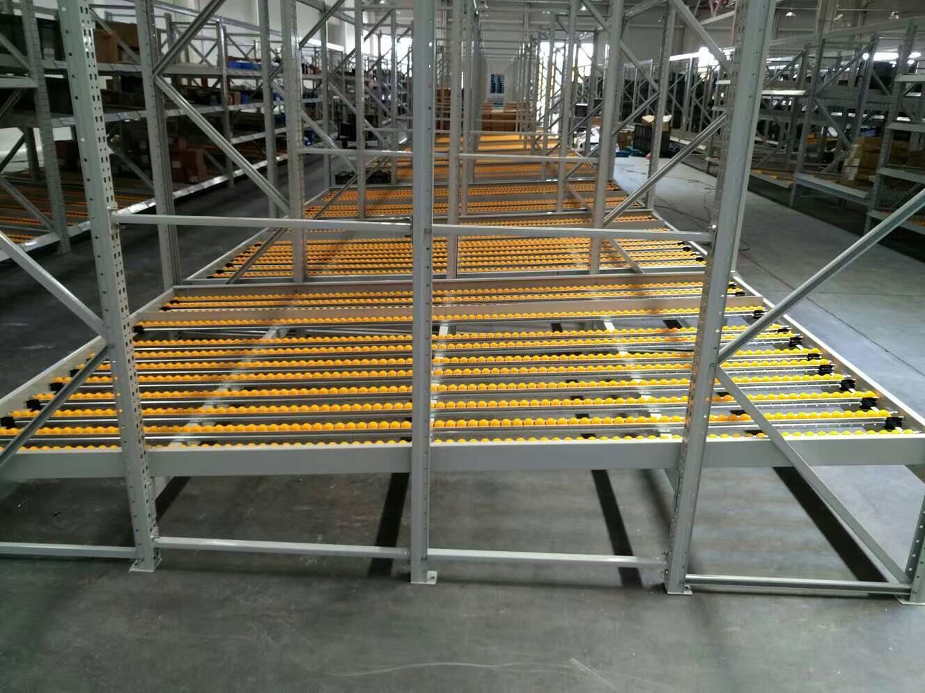 南京仓储货架厂家:流利式货架结构优势有哪些