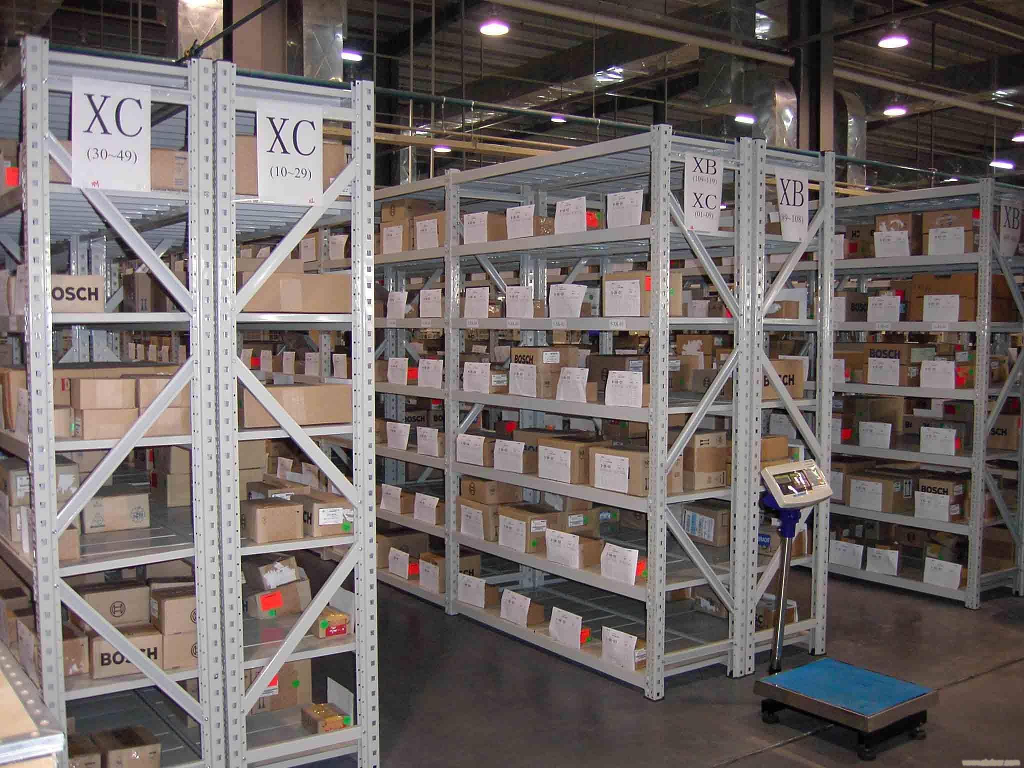 层板仓储货架需要进行哪些维护和检查工作